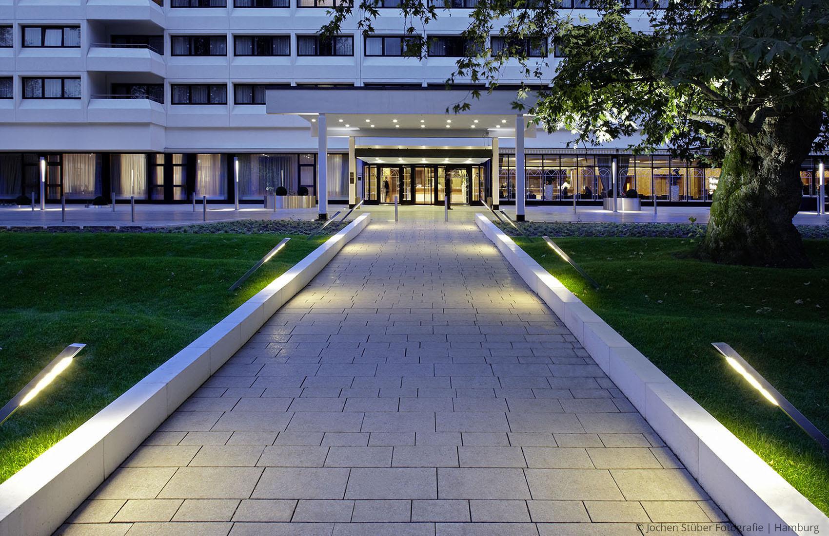 Hotel intercontinental hamburg wiggenhorn van den for Hotel international hamburg